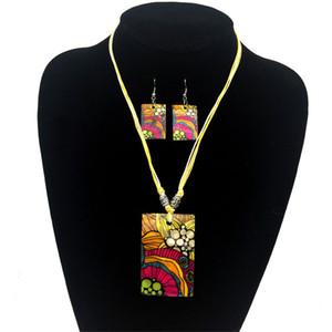 Collana di orecchini di fiori freschi di personalità semplice di moda europea ed americana Set di madreperla naturale
