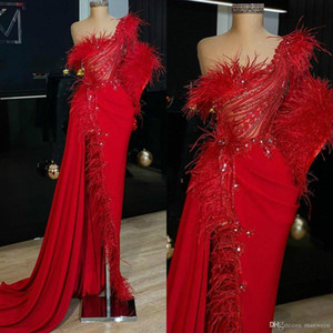 2020 lindo Red Mermaid Prom um ombro Feather Beading Side Dividir Formal Evening vestidos Robe De Soiree