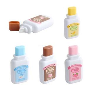 Colore casuale!! 1PCS elegante strumento di cancelleria di studio di scuola di bottiglia di latte bianco Tape Out pratico casuale