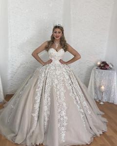 패션 Strapless 볼 가운 웨딩 드레스 2019 레이스 Appiques 민소매 브라 가운 Tiered Tulle Wedding Dress