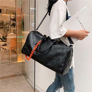 Heißer Verkauf neuer Paare Gedruckte wasserdichte PU-Kette Rucksack Mode für Männer Fitness Frauen Yoga Sporttasche Kurzreisetasche