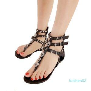 COVOYYAR 2019 Rivets Gladiator Women Sandals Skull Flip Flops Beach Summer Flat Black Women Lady Shoes Plus Size 40 WSS738 l02