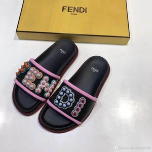 Sandales plates de sandales plates de concepteur décontracté pour femme chaussures femme pantoufles qualité baskets entraîneur femme bottes diapositives mocassins 18 par shoe04