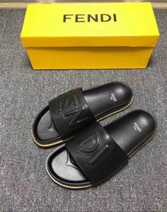Taille 38-46 femmes Designer Sandales Top en cuir avec sac à poussière mélanger les couleurs Designer Shoes de luxe Diapo été large Sandales plates Slipper # 337