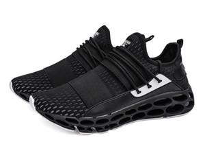 Zapatillas de deporte de diseñador 2019 Blade para hombres Venta caliente Malla Calzados informales transpirables Hombres que amortiguan los zapatos deportivos de tendencia antideslizante (7-12) Envío gratuito