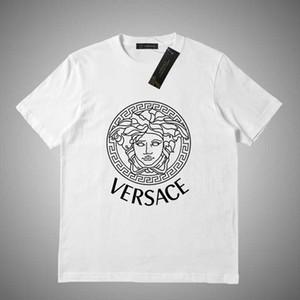 Versace 2019 الصيف العلامة التجارية الجديدة المحملة القطن كم قصير للتنفس رجل إمرأة طبع حرف عارضة في الهواء الطلق الشارع الشهير تي شيرت