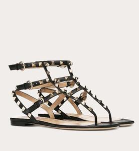 Sandalias perfecta marcas verano de la roca del perno prisionero de las mujeres T-correa del flip-flop Pisos atractivo Remaches Gladiador Sandalias plana fiesta de la boda EU34-43