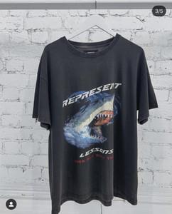 Lüks Erkek Kadın Tasarımcı Tişörtler Büyük Harf Cartoon köpekbalığı Yaz Kısa Kollu Moda Marka Tişört Sokak Bluzlar O Boyun 20032602T