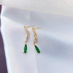 Ohrringe für Frauen-Schmucksachen 2019 Grün-Stein-hängenden Tropfen-Ohrringe Französisch Design-Ohr-Ringe Schmuck Korean