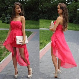 2020 Semplice breve Chiffon Bridesmid Dressses senza bretelle sexy di Hi-Lo maniche Prom abito per la festa nuziale su ordine Abiti da cocktail
