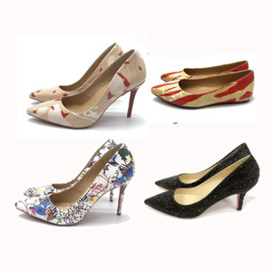 Chaussures à talon bas rouge Mix 20 modèles de chaussures de mariage Femmes bout pointu Talons hauts cloutés Strappy Slingback Stilettos Sandales en cuir Pompes