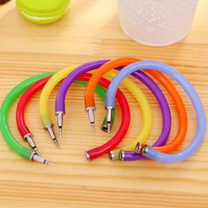 Kreative Flexible Kugelschreiber nette weiche Kunststoff-Armband-Armband-Kugelschreiber Schule Büro Geschenke Supplies Werbe Pen J200299