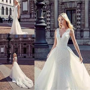 2020 Nouvelle arrivée Une ligne Robes de mariée profonde V Bouton Neck Retour en dentelle Robes de mariée avec Appliques amovibles jupe robes de mariée 4625