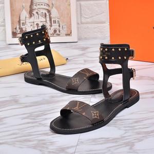 TOP 2019 de alta calidad Diseñador de lujo clásico para mujer Sandalias show show Verano superestrella de la marca de moda Zapatillas de playa