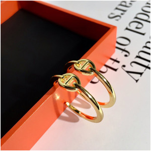 Pendientes de arco para mujer Simple geométrico Retro salvaje fresco diamantes magníficos exagerados grandes pendientes redondos de Color sólido con cajas