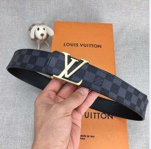 2020 Cinturón de los diseñadores para hombre Cinturones Cinturones Cinturón Los diseñadores de la serpiente de la correa de lujo para mujer Cinturones de cuero del negocio de Big hebilla de oro A5