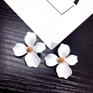 5 Farben-große Blumen-Ohrringe für Frauen Fashion Jewelry Partei-Feiertag 2018 Street Style Statement Pendientes Boho-Geschenk-Rosa-Blau