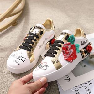 NEUEN Frauen beiläufige Schuh-Stickerei Silk chaussure Twill Schuhe Diamant-Gurt-Blumen-Top-Qualität Leder Schwarz Flache Schnürschuhe Designe