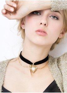 2020 Pendentif gothique Vintage Black Velvet Choker Love Heart Perles Collier à chaîne courte pour femmes Bijoux Hot