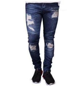 Yeni Erkek Tasarımcı Biker Jeans Yaz İlkbahar Nakış Denim Blue dökümlü Hiphop Sokak Ripped Jeans