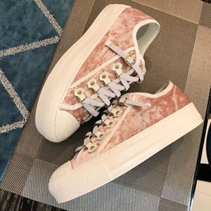 2019 Low Cut Patchwork Couro das Mulheres Sapatilha Atacado Kanye West Corrida Corredor Casual Sapato branco preto rosa Sapatos de Treinador de Veludo Com Caixa