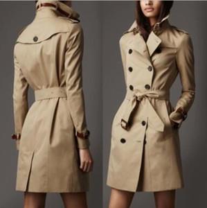 HOT CLASSIQUE! Mode féminine Angleterre long manteau trench style / haut concepteur de marque de qualité ceinture en cuir véritable Trench B016F600 kaki