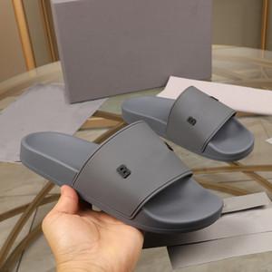 Женщины Мужчины вскользь тапочки сандалии моды кожа Шлепанцы Металлические цепи Летний пляж Тапочки Обувь Размер Eur35-45