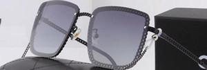 Yeni erkek ve kadınlar büyük çerçeve dekoratif ayna sürüş bir zincirle, güneş gözlüğü polarize