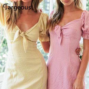 Fargeous Женщины Повседневная Плед Розовый Сладкий Короткое Платье 2020 Летняя Мода Слоеный Рукав Узел Высокая Талия Мини Платье Праздник Vestidos
