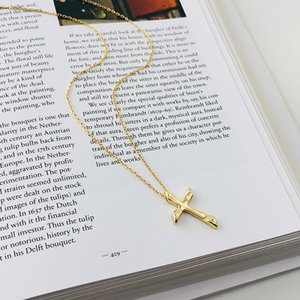 Foreign Trade Fashion New S925 Sterling Silver Cross Necklace Female Short Clavicle Chain Cross Pendant Stall Supply