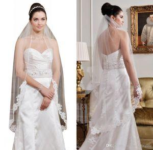 Pas cher à court 1M Une couche nuptiale de mariage Veils avec peigne blanc / ivoire Appliqued Bridal Veils Livraison gratuite CPA815