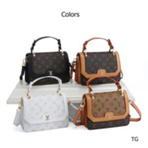 2020 New Hot Sale Women Handbags Designer Luxury Womens Waist Bags Top Quality Chest Bags Womens Brand Shoulder Bags Free Shipping 2070605H