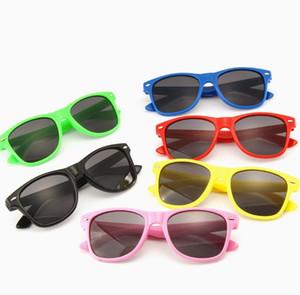Kinder Sonnenbrillen Mädchen Kinder Goggle Baby Reis Nagel Sun-Glas-Farbton UV400 Sommer-Strand-Nagel Glas Fashion Outdoor Brillen GGA3339