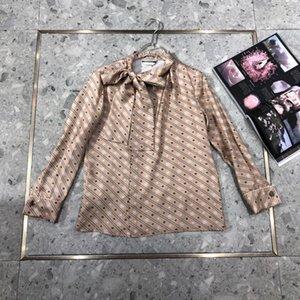 100% camisa de seda 2020 Summer Collection alta calidad de lujo marca italiana de Milán Diseñador collar del arco rayó el monograma Cuff