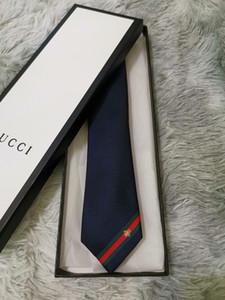 Nouveaux styles Mode pour hommes Cravate Cravate en soie pour hommes Cravate main lettre de soirée de mariage cravate Italie 17 style d'affaires cravate à rayures G8815