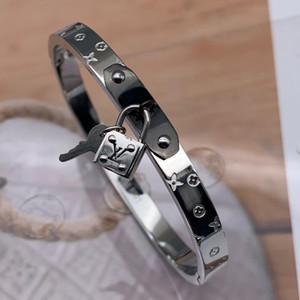 2020 de alta calidad 316 L de acero de titanio rosa 18K oro plata cerradura del brazalete del amor carta boda clave para hombres mujeres joyería popular de EE.UU.