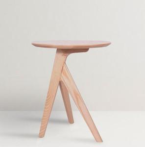 غرفة المعيشة المنزل الخشب الصلب شرفة طاولة الشاي الصغيرة الصغيرة المنزلية الإبداعية مصمم حافة مستديرة بالكاد مواد التبعي