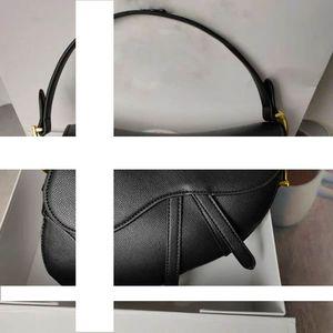 2020 Новой мода классических дам плеча сумка седла мешка металла способ письмо сумка стиль удивительные аксессуары
