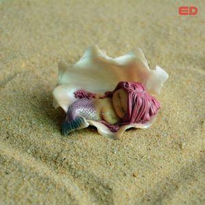 8*4.5*6CM Polirezin Resin Shell Mermaid Terrarium Figurine Fairy Garden Decoration &Home Decoration Accessories