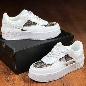 2020 New Men Düşük Kesim biri 1 Günlük Ayakkabılar Beyaz Siyah Dunk Spor Kaykay Ayakkabıları Klasik Eğitmenler High Sneakers 36-44