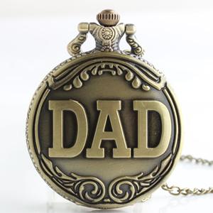 Reloj de bolsillo del regalo del día del padre! Calidad hueco del bronce de oro retro del papá Logo Colgante de cuarzo Reloj mejor regalo para el padre
