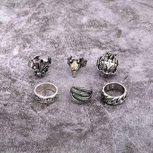 1PC Retro Punk Drachenkopf Hohle Weaving Big Ring Frauen Männer Modische Weinlese-Silber-Farben-Feder-Ziege-geöffneter Ring Schmuck R68