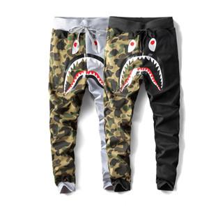 Uomini Autunno e Inverno Squalo stagione nuova Stampa di cartone animato pantaloni casual Pantaloni cuciture mimetiche Pantaloni larghi hip hop Abbigliamento da strada
