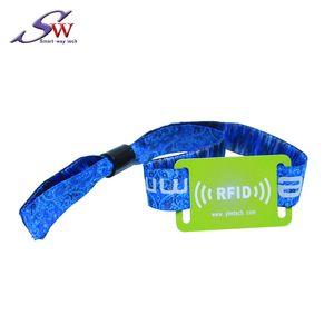 Logotipo personalizado Impreso 13.56 Mhz Ultraligero Desechable Tejido RFID Pulsera de pulsera para uso de una sola vez