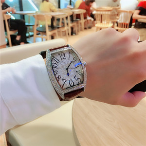 2019 New Hot vente Couple Regarder Barrel Vin Forme FM pleine étoile Montre Quartz Full Diamond Waterproof