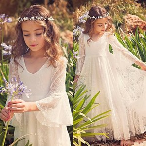 2020 Hot Beach Girl Vestidos Branco Marfim Boho vestido de primeira comunhão para a menina V-Neck manga comprida A-Line baratos Crianças vestido de casamento