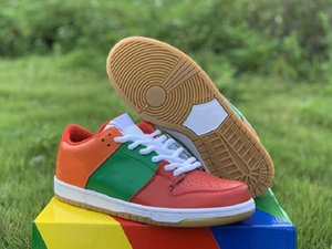 New Exclusive SB Dunk Low Collaboration Athletic Designer Shoes Red Green Orange White Fashion Skateboard Trainers Good Quality