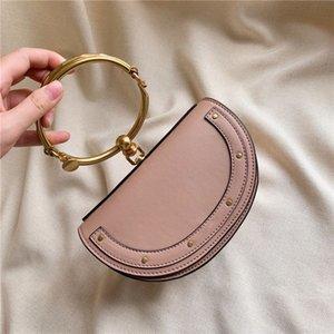 안장 가방 단일 어깨 여성의 팔찌 가방 버클 2020 간단한 높은 품질의 메신저 가방 패션 디자인 가죽 핸드백 새틴 가죽