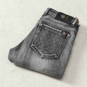 2020SS las nuevas llegadas del verano del estilo LUGUU1 famosa marca MENS LAVADO DE DISEÑO LIGERO delgado ocasional ESTIRABLES FLACO jeans rectos motorista flaco