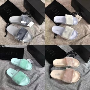 Designer Beach Slippers Summer Women Women Cartoon Big Head Slippers Glue Surface Transparent Crystal Shoes PVC Luxury Bath Ladies Slippe#431